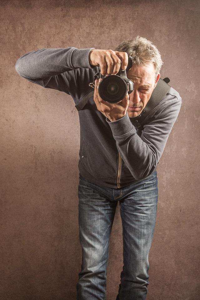 Beim Schultergurt, wie dem HuGu, ist die Kamera sofort griffbereit.